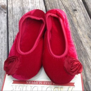 NWT Isotoner  ruby red  slippers
